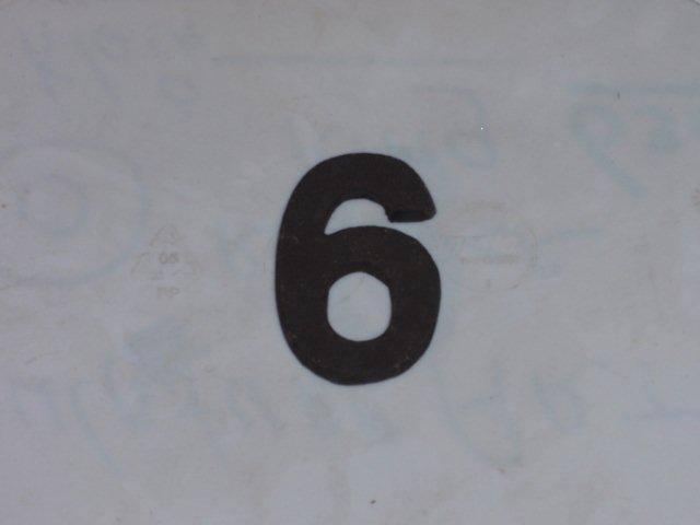 Zwart klein nr 6
